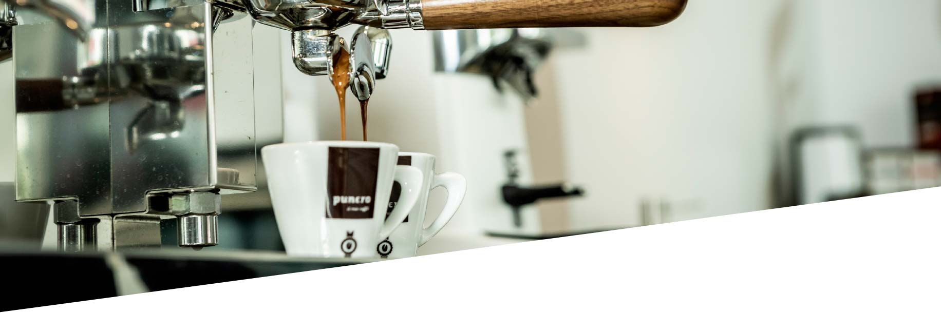 punero Kaffeetassen mit Siebträgermaschine